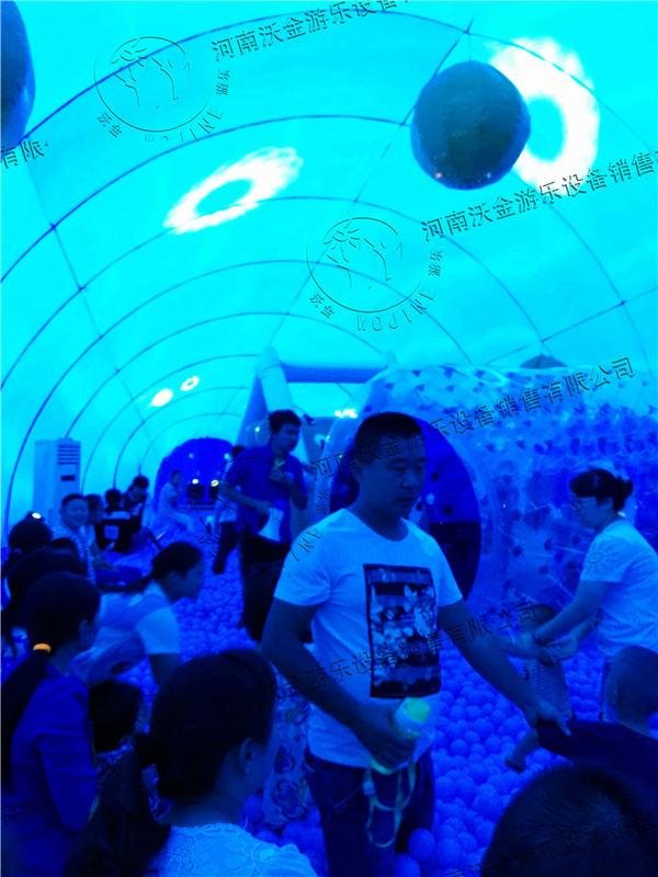 壁纸 海底 海底世界 海洋馆 水族馆 桌面 600_800 竖版 竖屏 手机